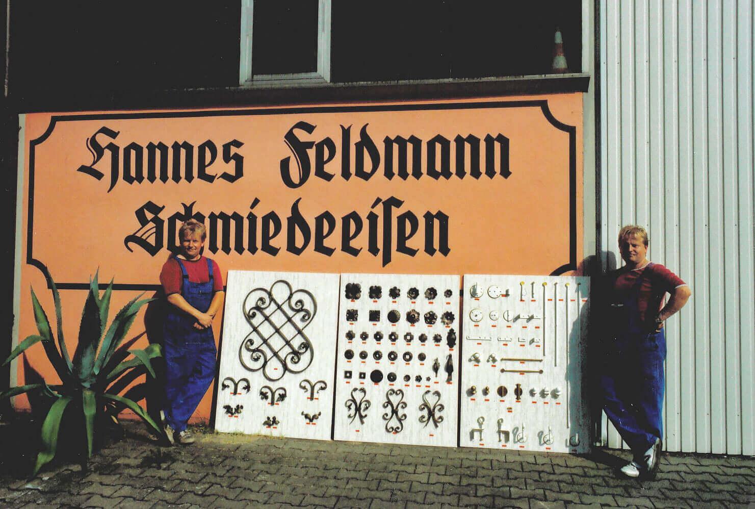 Die Brüder Norbert und Hans Feldmann präsentierten Bestseller aus dem Schmiedeeisen-Sortiment.