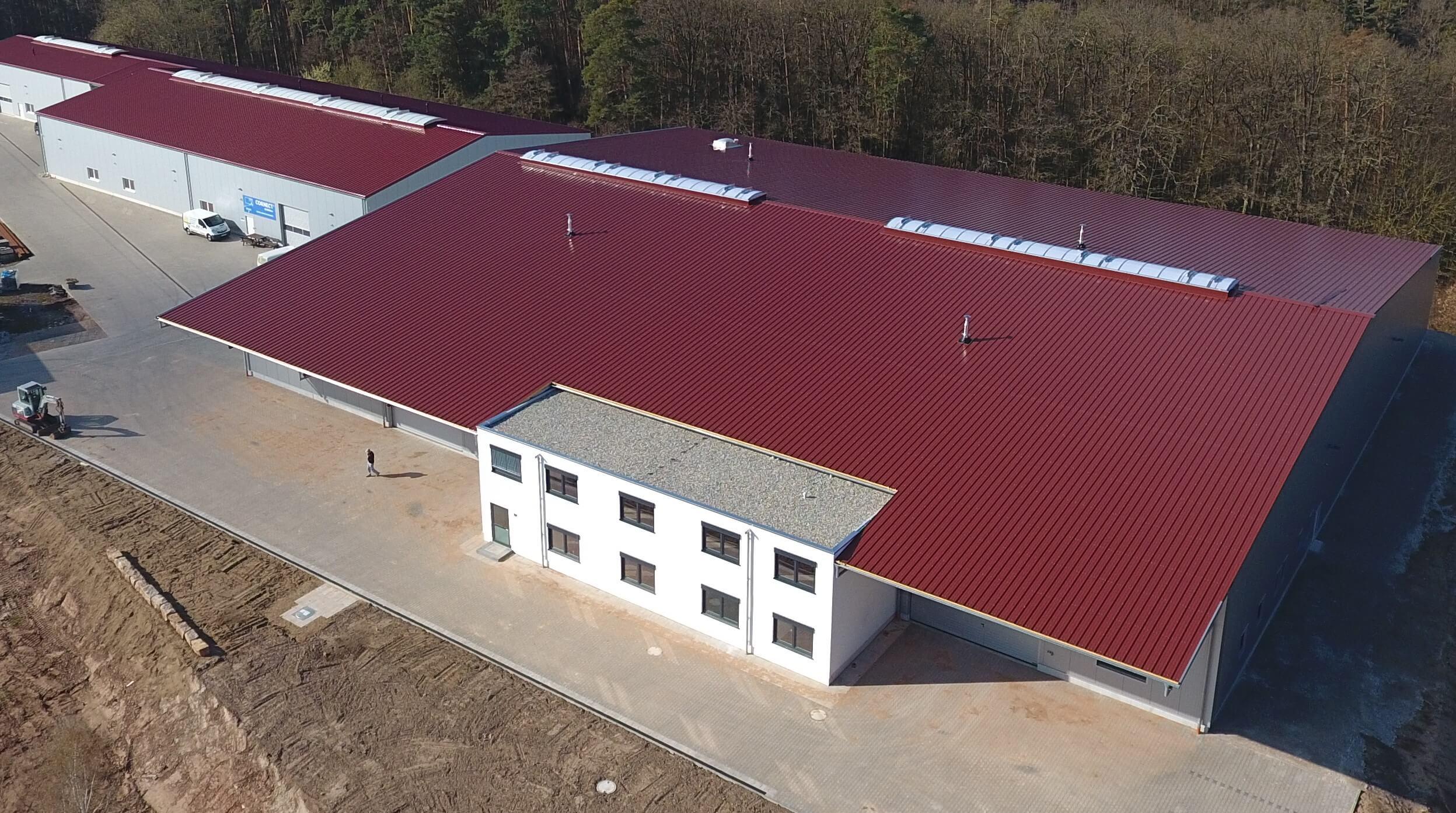 Feldmann neue Halle gebaut, Logistik, Lagerplatz, Edelstahllager